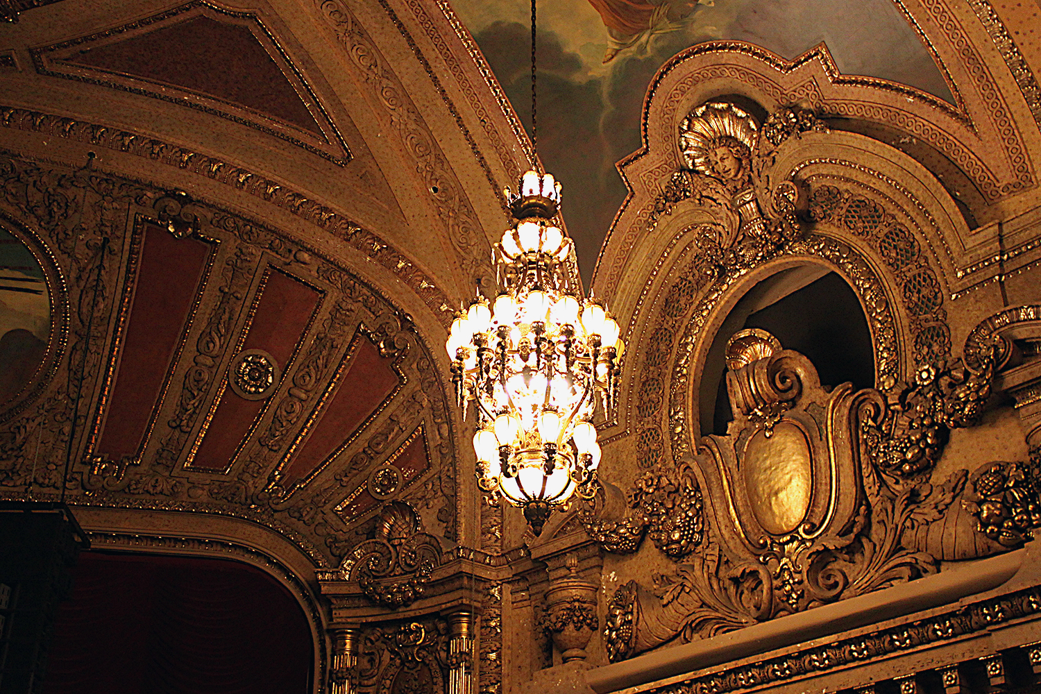 Ornate molding, detailed chandeliers and hand-painted murals adorn every turn of the lavish Chicago Theatre (Photo: Andrew Stephens)
