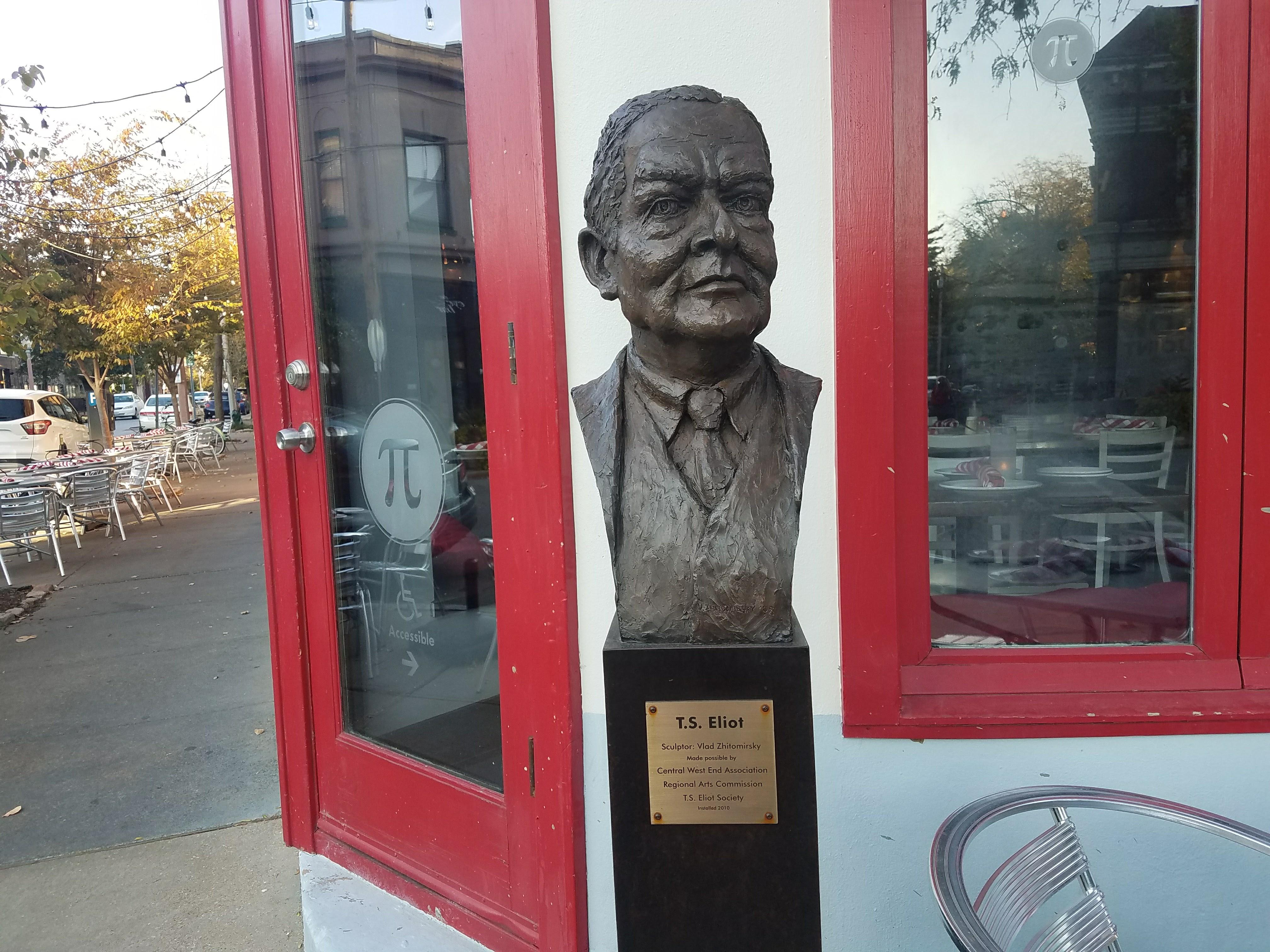 TS Eliot Statue