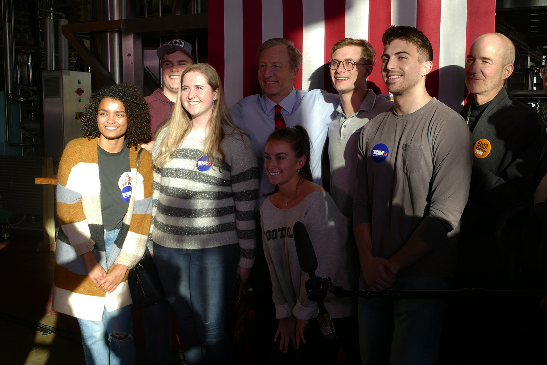 Steyer taking photos with voters. (Marissa Nelson, 14 East)